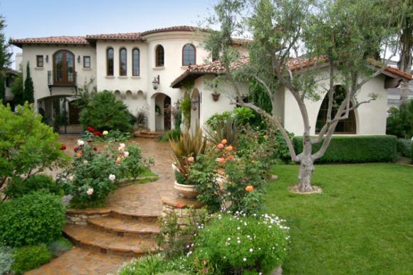дома в испансском стиле