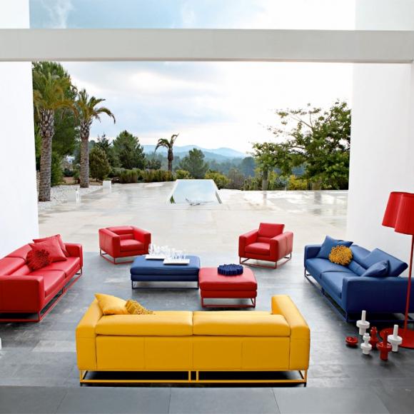 яркая мебель для гостиной