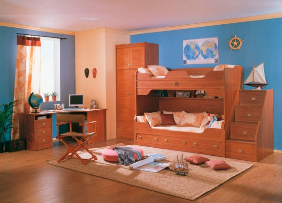 комната для мальчика с тематикой путешествия