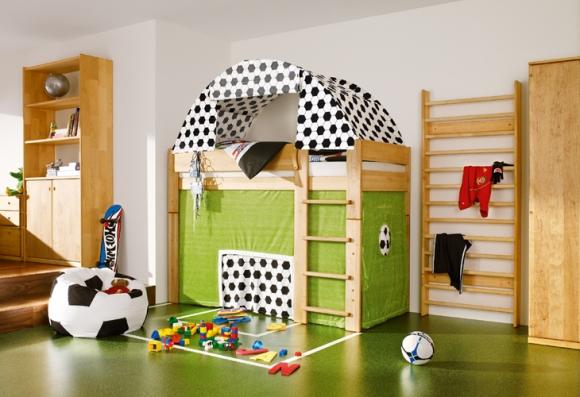 детская комната для маленького футбольного болельщика