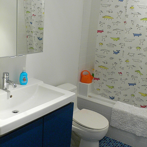дизайн ванной комнаты для малыша