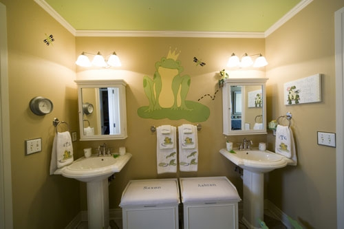 детская ванная комната для близнецов