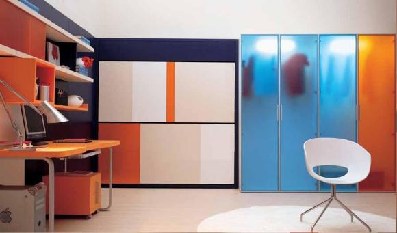 шкафы в комнате подростка