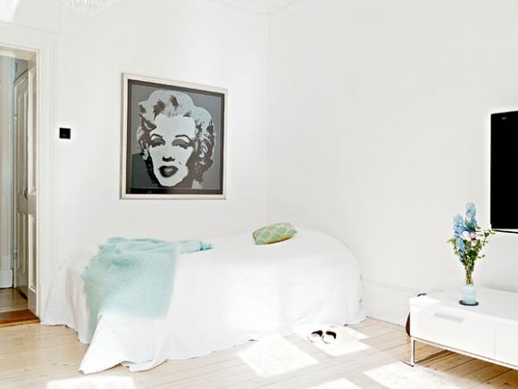 картины в дизайне спальни